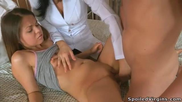 onlayn-porno-video-sovratili-devku